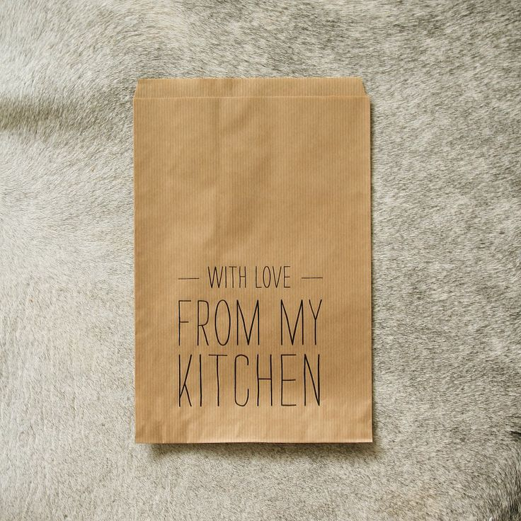 This is an incredibly cute way to personalize the brown-bag lunch. How cute would this be for a spouse, child, or loved one to receive one morning? :)