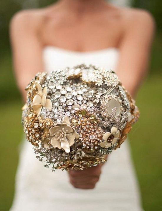 Brooch bouquets are very popular among brides who want to achieve a modern elegant look. We love this idea for the vintage brides out there!