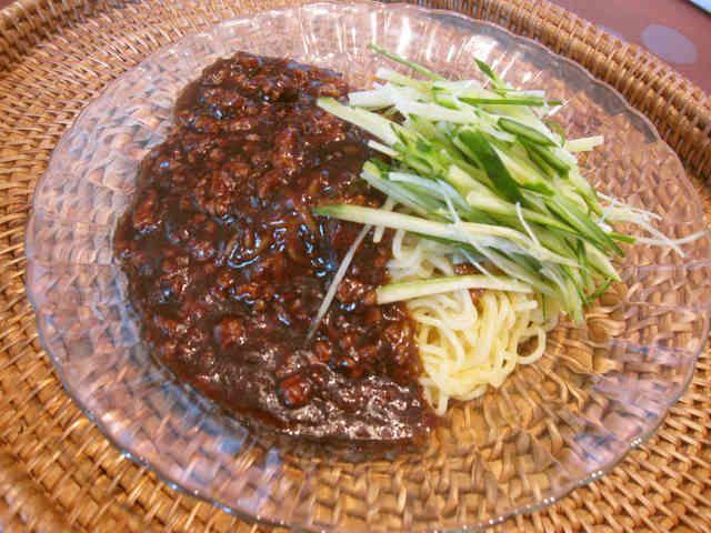 ジャージャー麺(炸醤麺)の画像