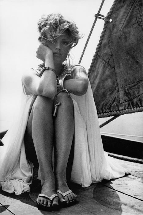 London. Italian actress Monica VITTI on the set of Modesty Blaise by Joseph LOSEY. 1965.