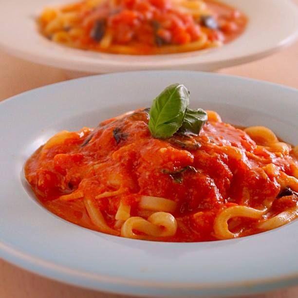 イタリアンなおうどん、トマトバジルうどん | あさこ食堂