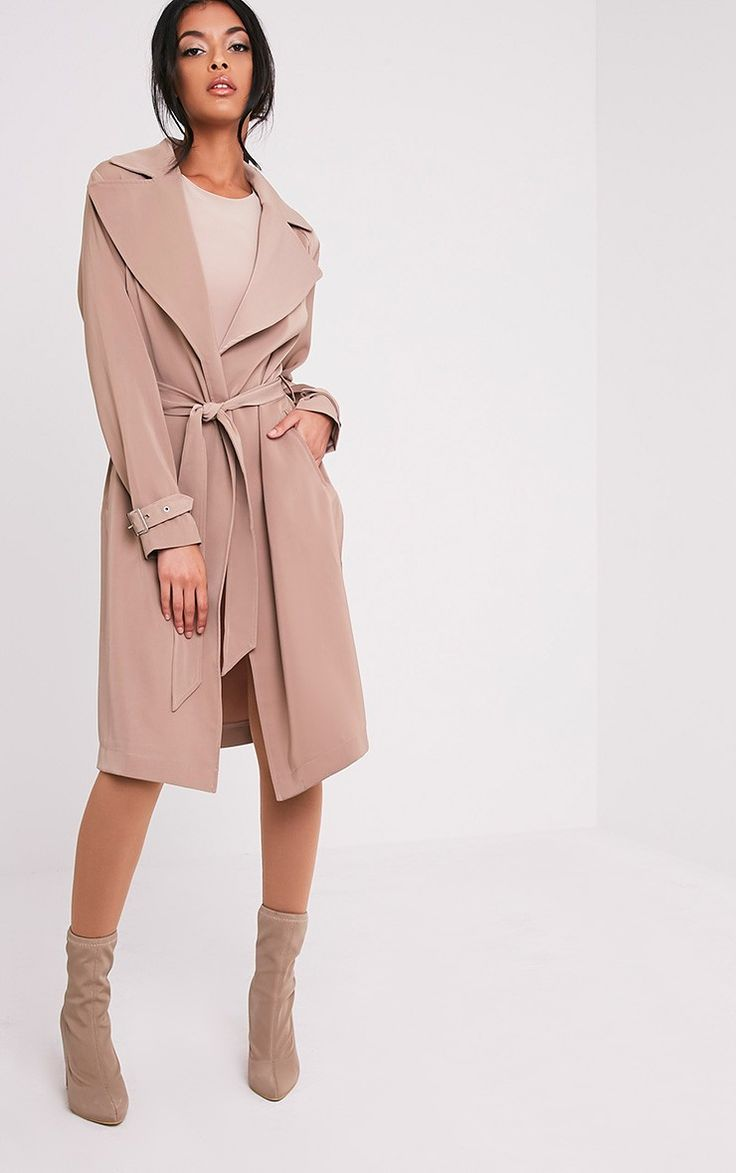 Camel Mac JacketMake sure you're keeping your style game high and mighty - just like you. Featuri...