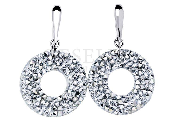 Niezwykłe, wiszące kolczyki w kształcie kółeczek wysadzanych srebrzystymi kryształami Swarovski ELEMENTS