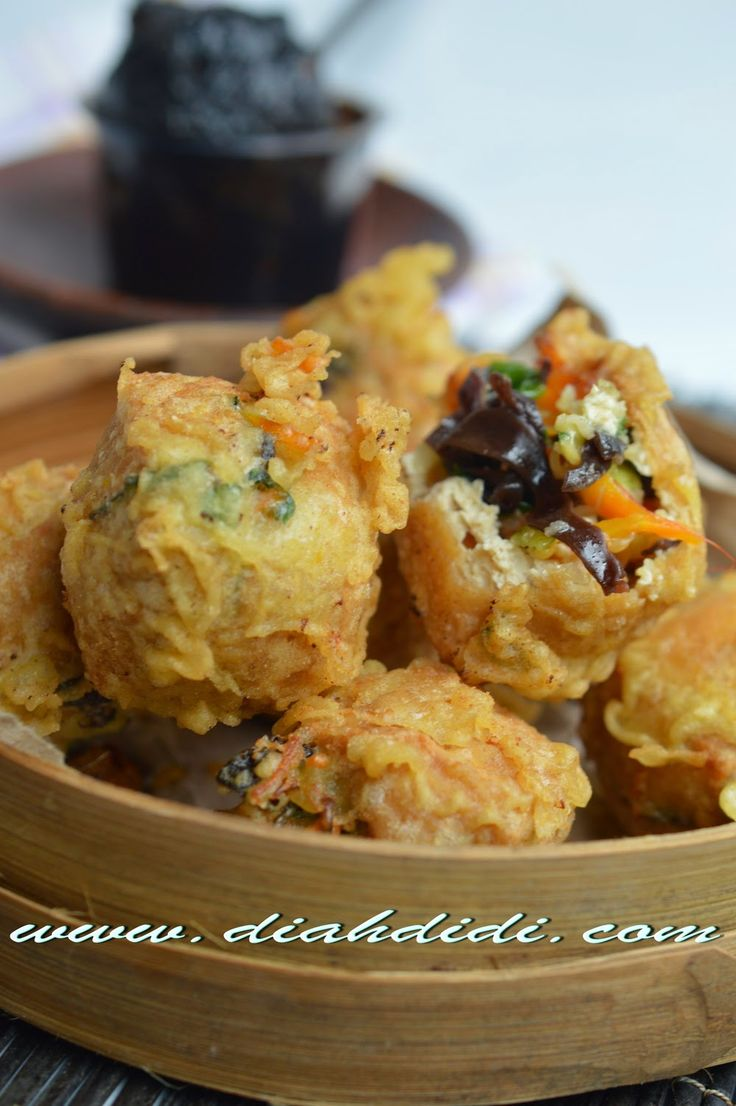 Diah Didi's Kitchen: Tahu Pong Mercon (Super Spicy and Hot Fried Tofu Balls) | Indonesian Food