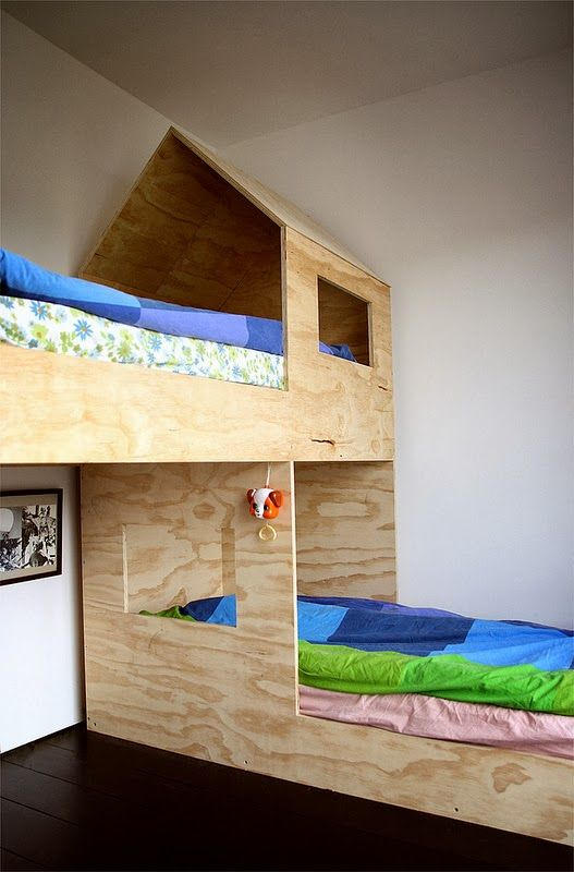 mommo design: LITTLE HOUSES- I would love to do this for jayden and I bet his papa could make it :)