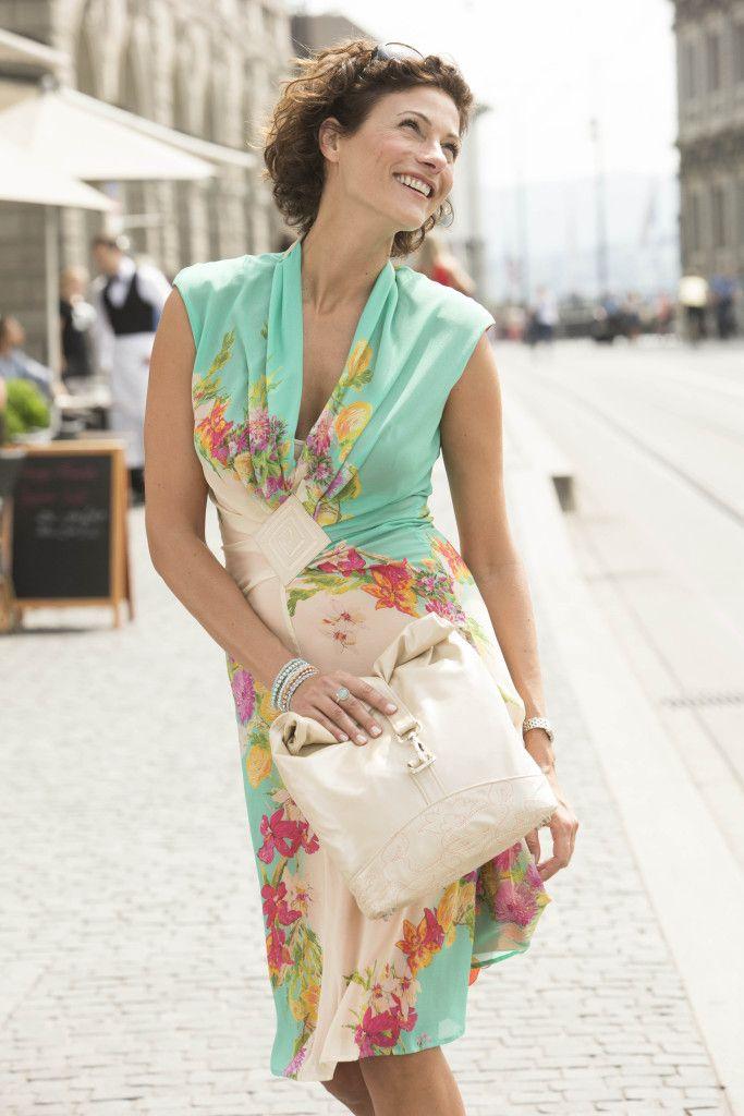 Summer Dress & Leather Bag Tutorial | Bernina (with template)