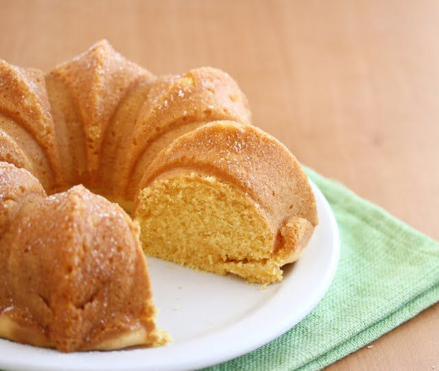 Eggless Custard Cake | Kirbie's Cravings | A San Diego food blog -- uses Bird's Custard Powder