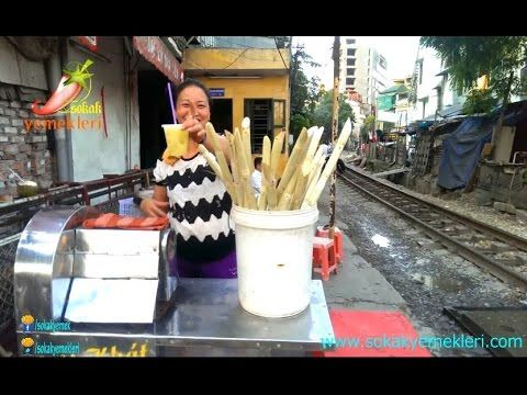 Vietnam Hanoi Sokak Yemeği - Şeker Kamışı Suyu - YouTube