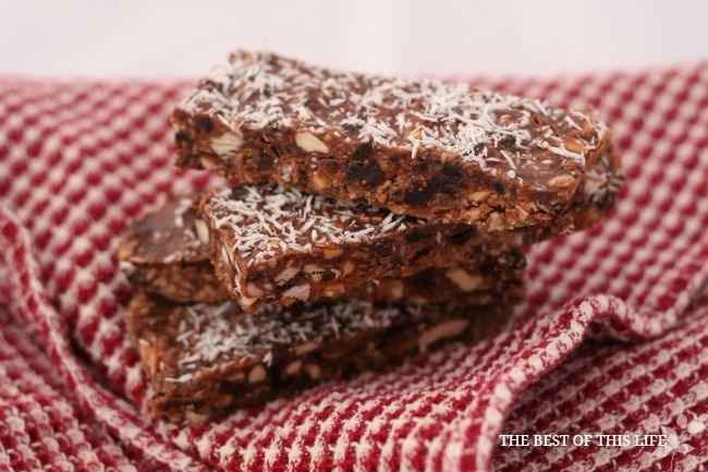 Healthy, nutritious and satisfying; these no-bake, refined sugar-free energy bars are an awesome alternative to store bought granola bars. Grain free. Uses Dates and honey as sweeteners.