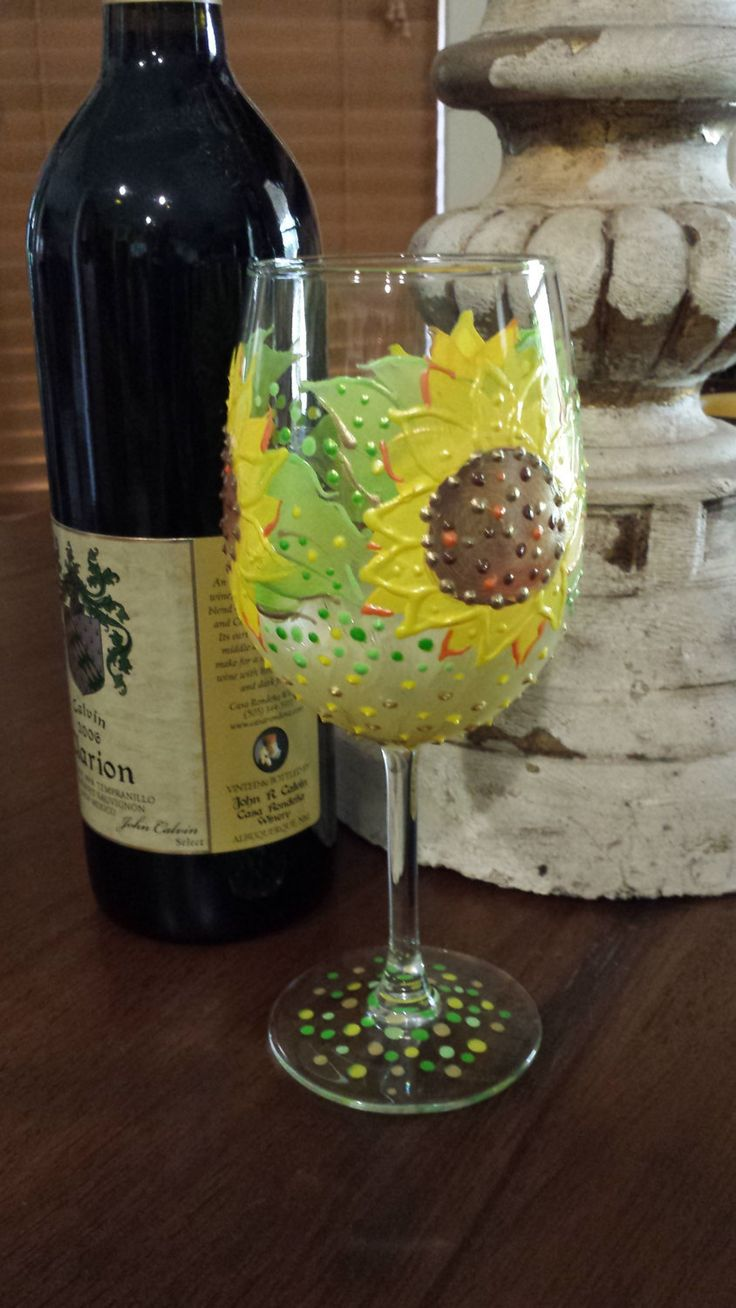 Sunflower Wine Glass. Hand Painted Sunflower Wine Glass. Wine Glass. Summer  Wine Glass