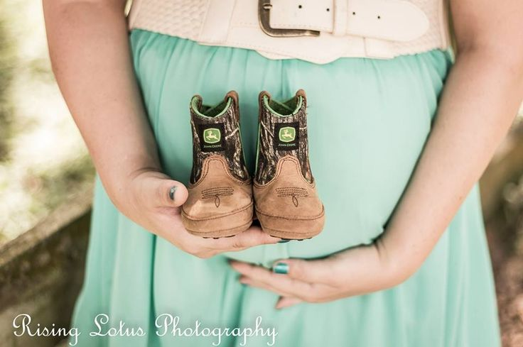 Maternity Session at horse stables.  So sweet.  Mom-to-be!  Risinglotusphotography.com
