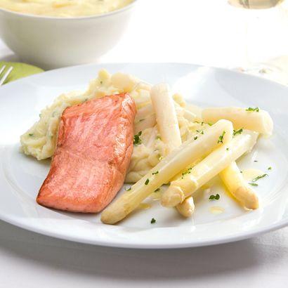 ALDI België - Recept - Gebakken zalmfilet met witte asperges en aardappelpuree met bieslook