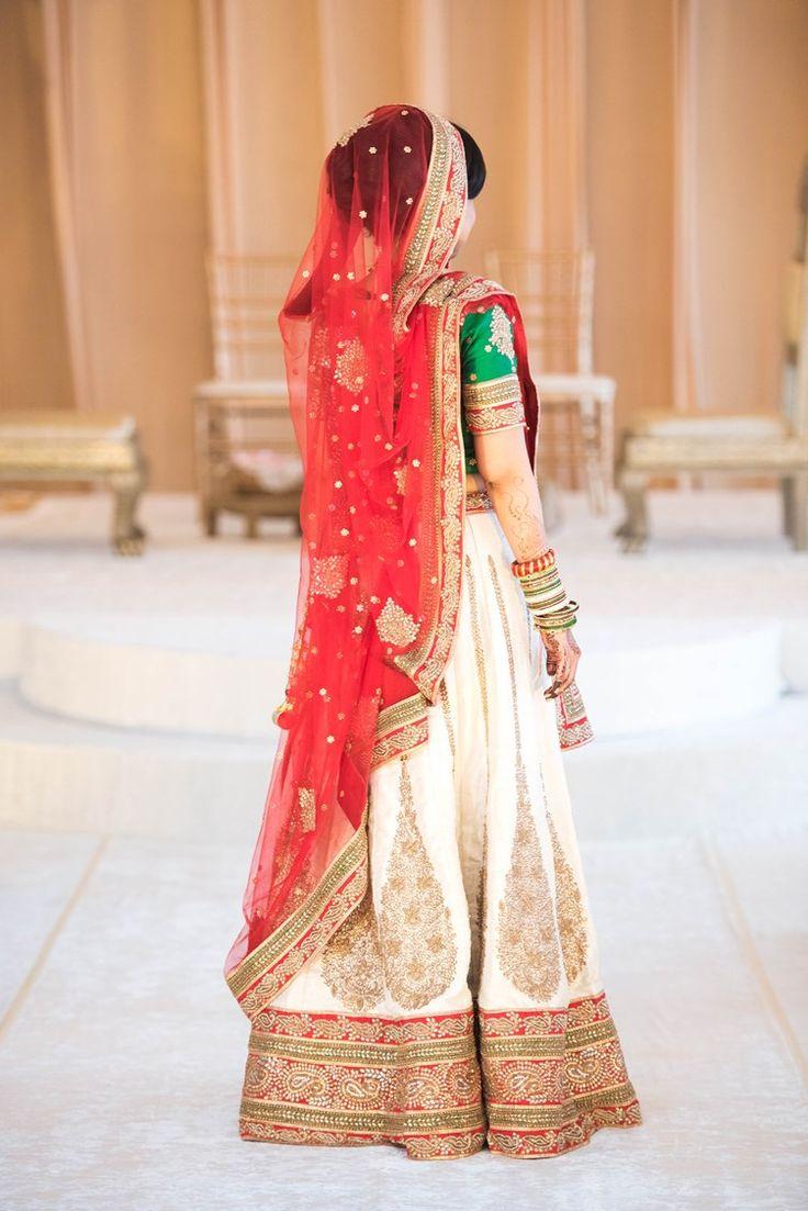 gujarati indian bride in panetar wedding dress