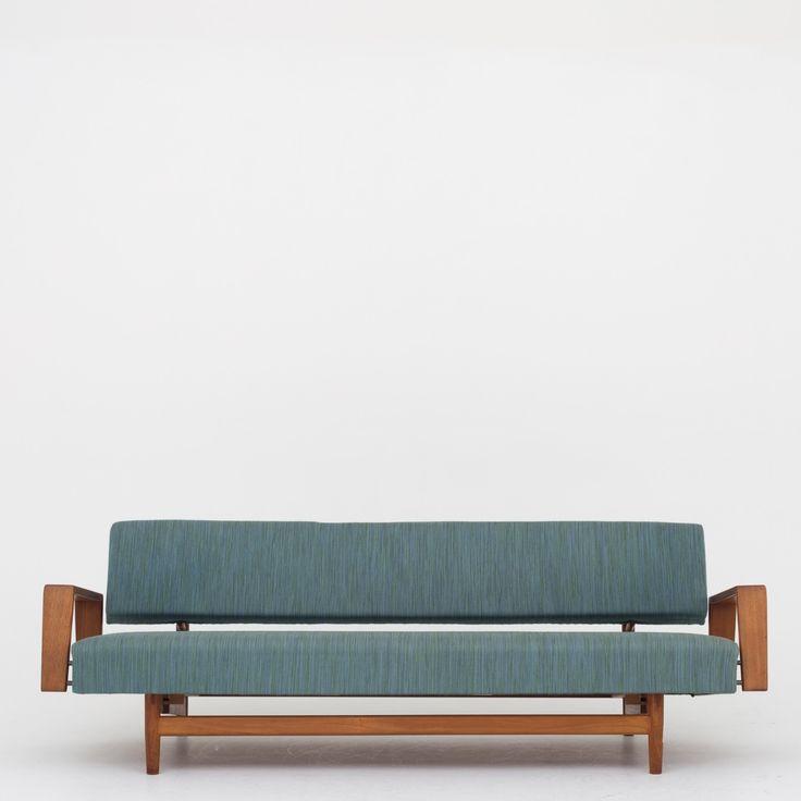 Sofa in teak