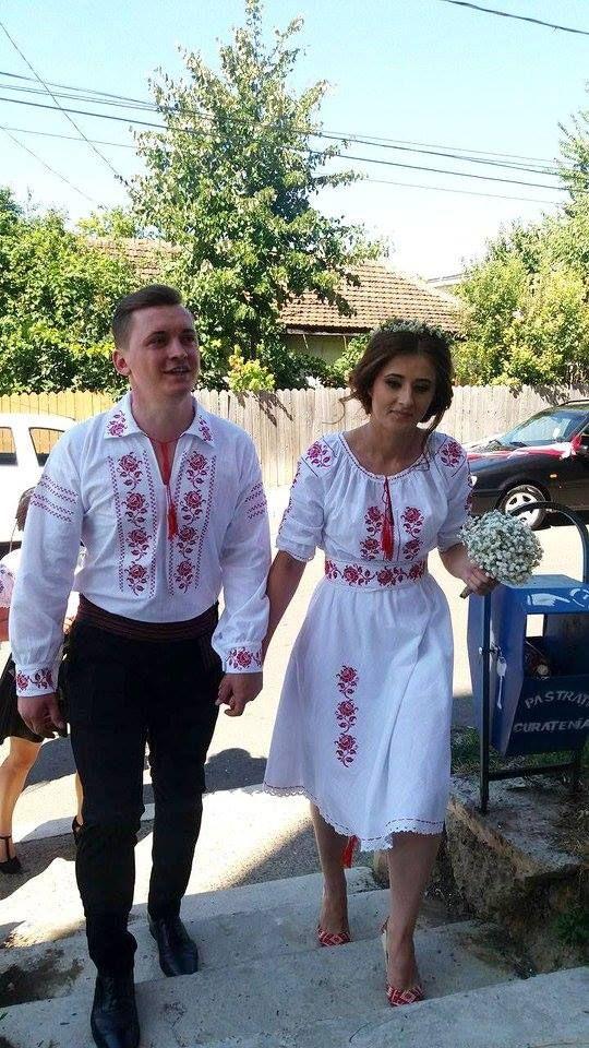 nunta-romaneasca-tinuta.jpg (540×960)