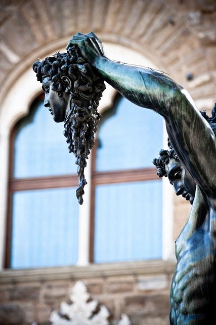 Perseo con la cabeza de Medusa - Florencia