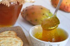 La marmellata di fichi d'india non è molto conosciuta, ma è davvero squisita. È ottima per realizzare crostate dolci, ma anche abbinata ai formaggi...