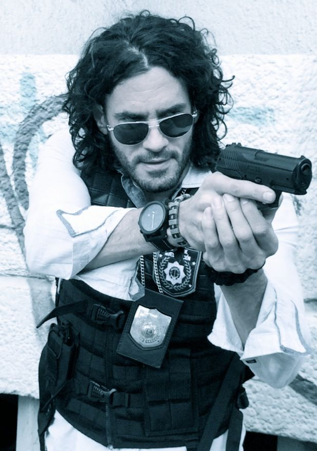 Still of Mario Cimarro as Detective Antonio