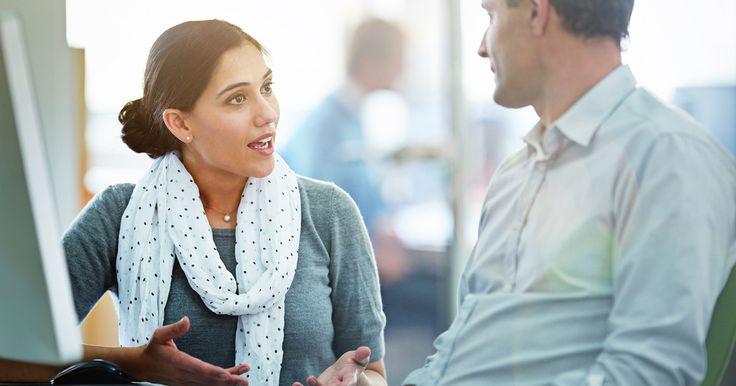 Im Berufsleben eine Diskussion für sich zu entscheiden, kann auch im Hinblick auf die Karriere wesentlich sein. Mit diesen Tricks gelingt's.