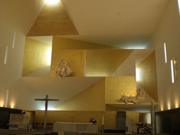 ignacio vicens(1950- ) and josé antonio ramos, 2008. saint monica parish church, rivas-vaciamadrid, madrid, spain. photo: xGaztelu https://commons.wikimedia.org/wiki/Category:Parroquia_de_Santa_Mónica,_Rivas-Vaciamadrid