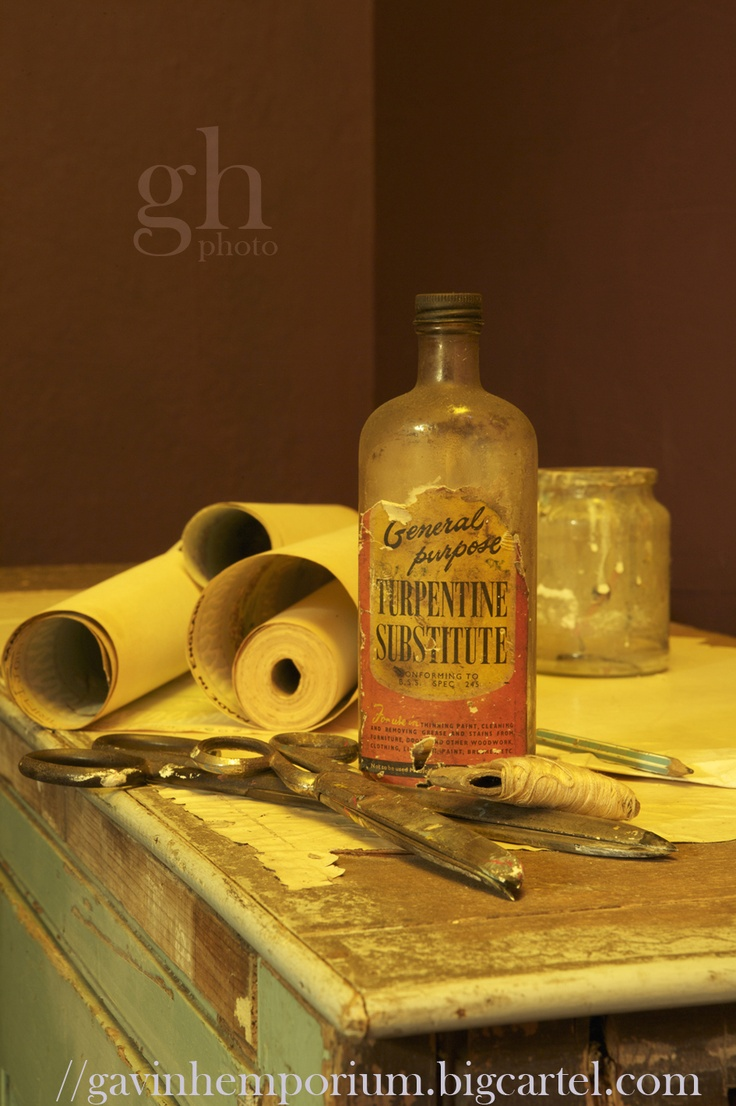 Vintage decorating still life shot by Gavin Harrison photography. View a range of limited edition fine art prints at .........          https://gavinhemporium.bigcartel.com