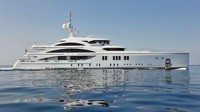 Holly Valance's billionaire husband bought her a $53 million yacht ... despite her seasickness