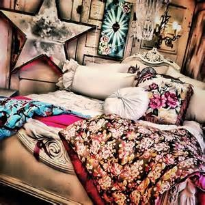 junk gypsy decor...so LOVE THIS!!!
