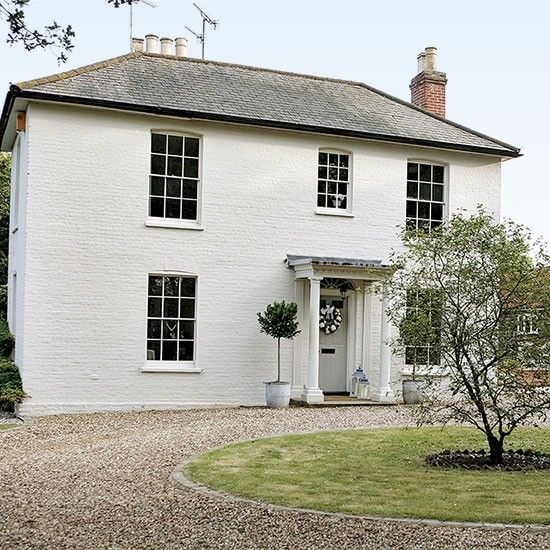 Here's another beautiful example of a Georgian house and interior but this home tour has leans more to the Country end of Modern Country......