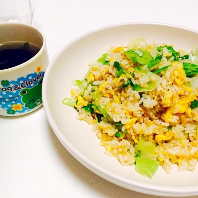 お昼ご飯〜っ - 9件のもぐもぐ - レタス炒飯とワカメスープ by achacosan