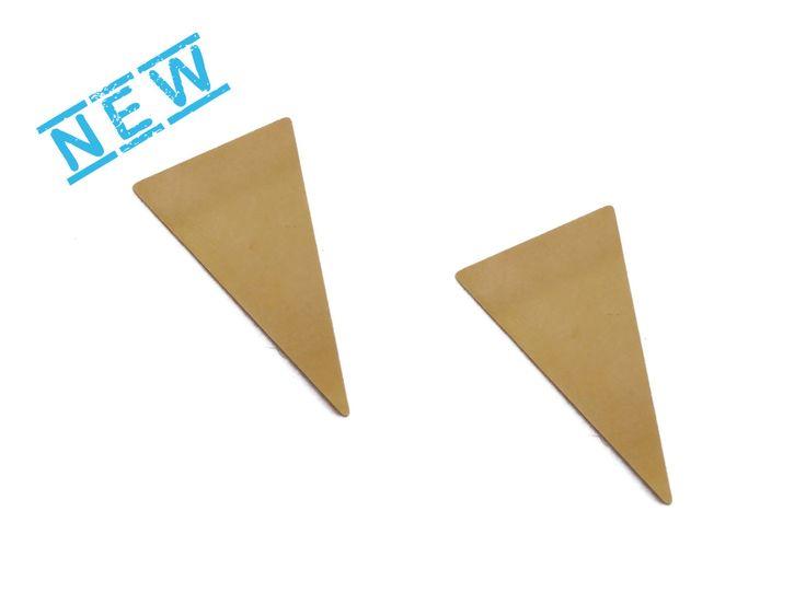 Lange driehoek Blank, 2 Pc rauwe Brass, No-gat stampen leeg, geometrische stempelen vormstukken, Laser gesneden metaal stempelen van leveringen, GoldieSupplies door GoldieSupplies op Etsy https://www.etsy.com/nl/listing/263643078/lange-driehoek-blank-2-pc-rauwe-brass-no