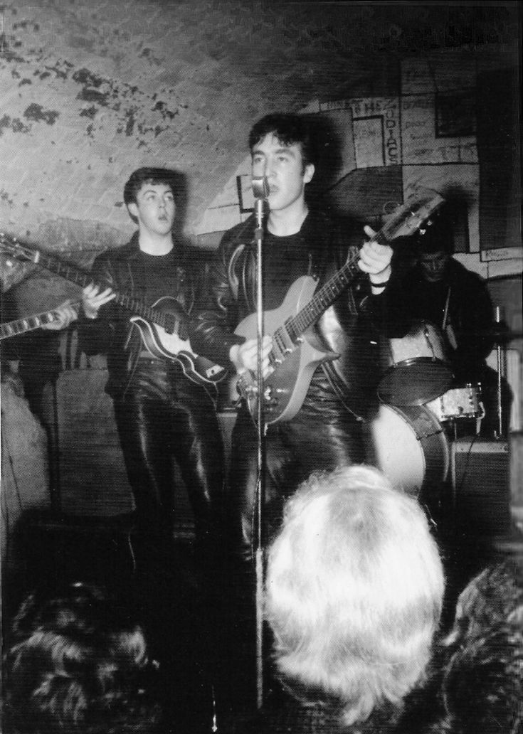 Lots of rare early beatles pix