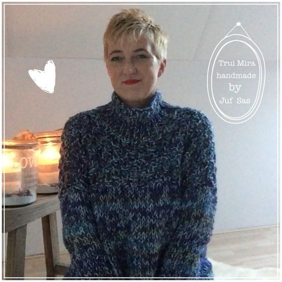 De wol Mira bij Zeeman gevonden en daar een trui mee gebreid. De wol blauwe Mira maakt de trui al leuk en staat super op een spijkerbroek. Het is een eigen pat