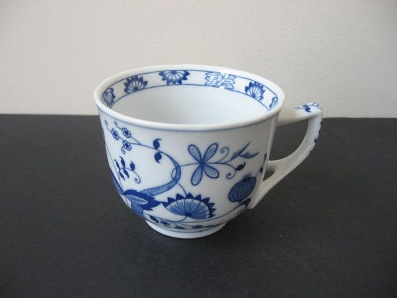 Vtg VIENNA WOODS Blue Onion Fine China Blue Danube by TinousChina