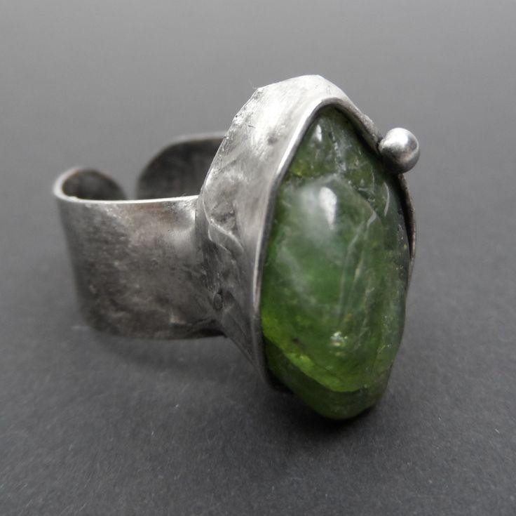Olivine  Ring, rustikal  ,green,djustable, ring, modern green ring,handmade ring, by Helenamode on Etsy