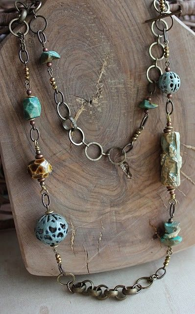 Nice necklace ~ great balance of components