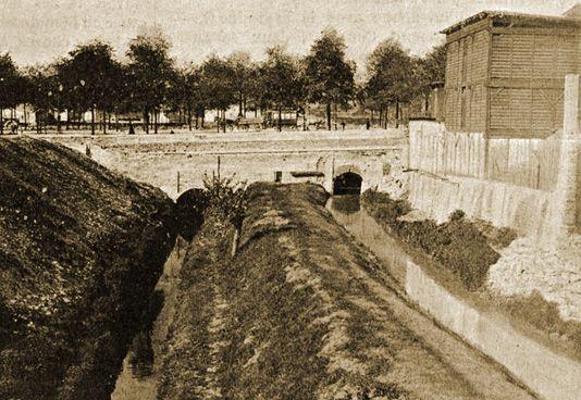 Paris treizième - Passage de la Bièvre sous le boulevard d'Italie (aujourd'hui boulevard Auguste Blanqui)