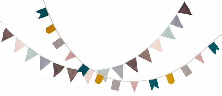 Vrolijke #vlaggenlijn #Vlaggen en #slingers aan de #muur zijn helemaal hip! Deze vlaggenlijn met gezellige #kleurtjes van Roommate vrolijkt de #babykamer helemaal op.