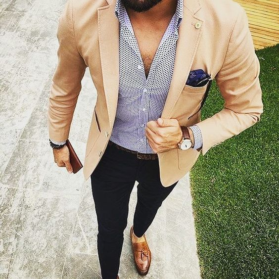 Roupa de Homem para Trabalhar. Macho Moda - Blog de Moda Masculina: Roupa de Homem para Trabalhar no Verão 2018, dicas para Inspirar! Moda para Homens, Como se vestir para Trabalhar Homem, Roupa de Escritório Masculina, Camisa Estampada, Blazer Bege Masculino, lenço de bolso