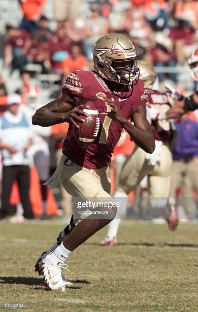 Florida State Seminoles Quarterback James Blackman Runs The Ball College Football Uniforms Florida State Seminoles Florida State Seminoles Football