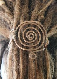 spiral head dread - wedding hair inspiration - i'd wear this everyday!!
