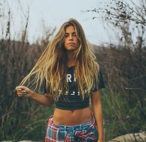 t-shirt and flannel. love her beach waves by KatChris | H.A.I.R in 2019 | Pinterest | Hair, Hair beauty and Hair styles