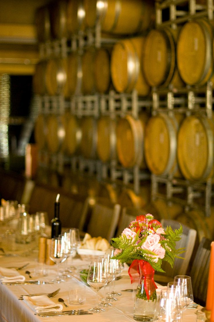 VALDONICA WEDDING in TUSCANY - Dining in our Wine-Cellar