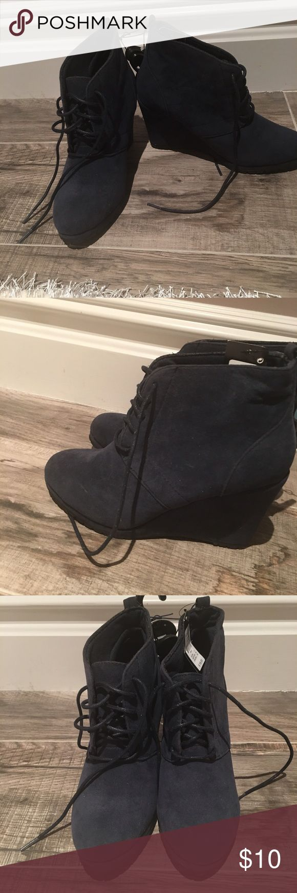 Perfect heeled navy bootie SIZE 8️⃣ Size US 8 navy bootie! New with tags from primark(European design store similar to forever21). Perfect sized heel. SUPER COMFY! Goes well with a dress or jeans. primark Shoes Ankle Boots & Booties
