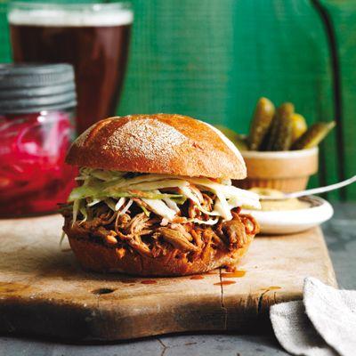 Porc effiloché, sauce au bourbon et au gingembre - Châtelaine