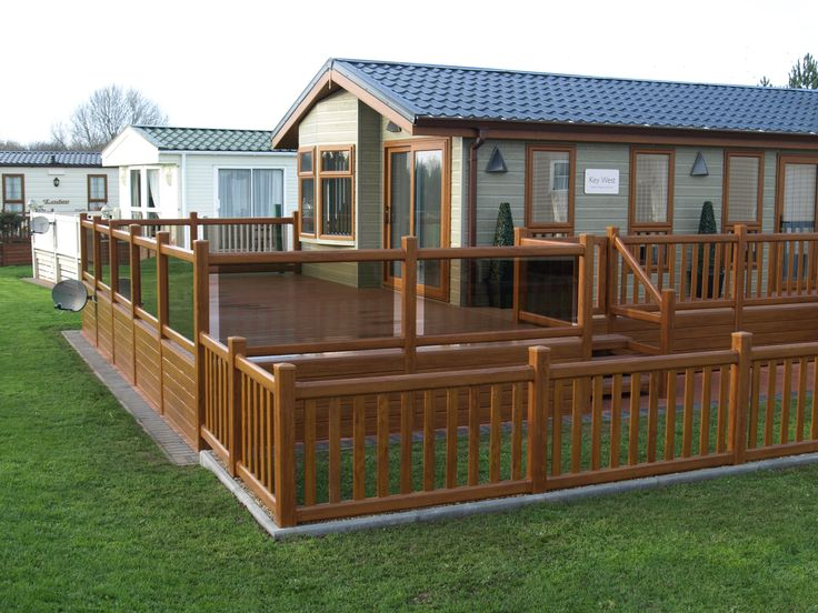 Fensys golden oak plastic holiday lodge decking
