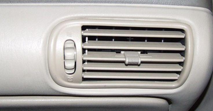 Como trocar o resistor do motor do ventilador do carro. O motor do ventilador é o aparelho que controla a velocidade dos ventiladores do sistema de aquecimento e resfriamento do interior do veículo. Existem dois tipos diferentes: os fios de resistência, que usam variados tamanhos de bobinas com diferentes resistências para as velocidades, e a placa de circuito impressa com um circuito totalmente ...