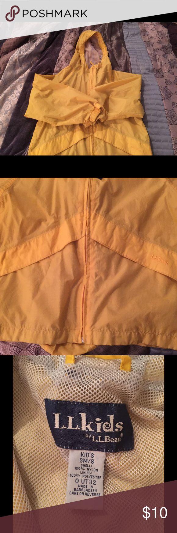 LL Bean kids rain jacket wind breaker.  Reduced🎉 Rain jacket/ wind breaker.  Reduced🎉 LL Bean Jackets & Coats