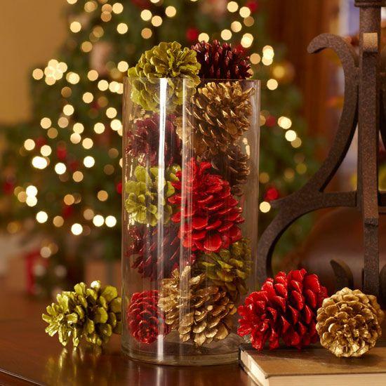 Новогодние поделки из шишек