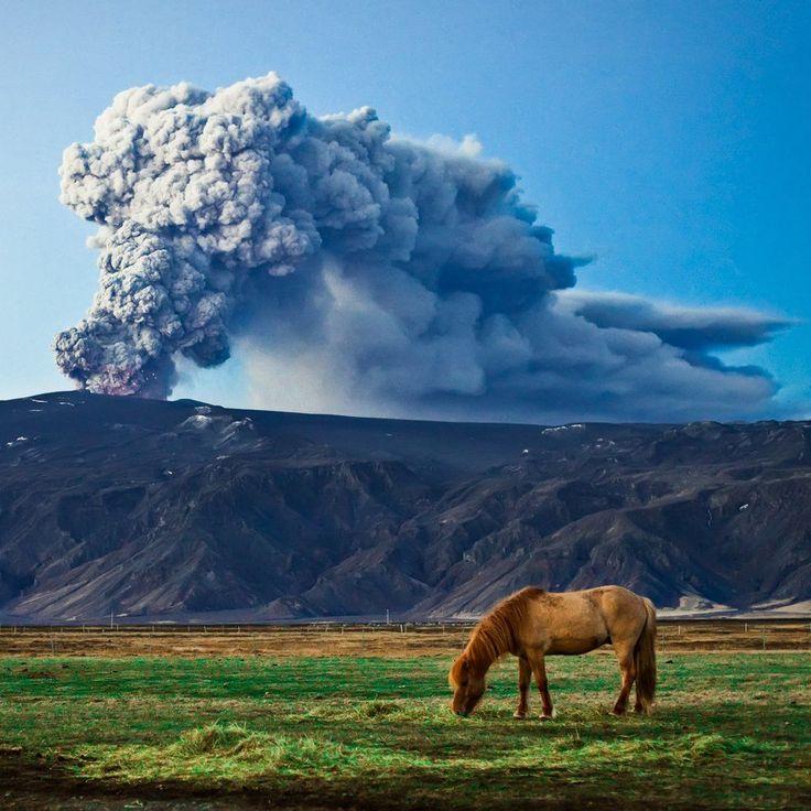 L'eruzione dell'Eyjafjallajokull | Fotografia di © Gardarolafsphotography