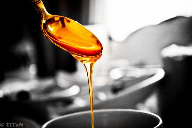bean2bonbon post - Liquid Sugars Part 4: Working with honey & a recipe for Honey Sesame Croquant